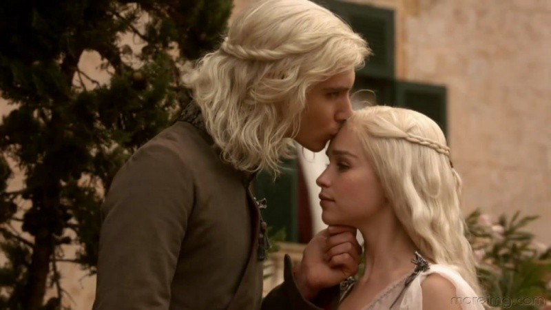 Imagen de la primera temporada de Juego de Tronos con Daenerys y Viserys.