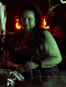 Susan Varon como Josie.