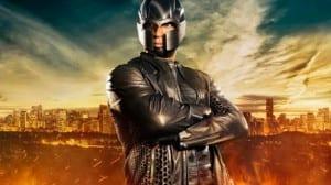 Posando con el casco de Magneto