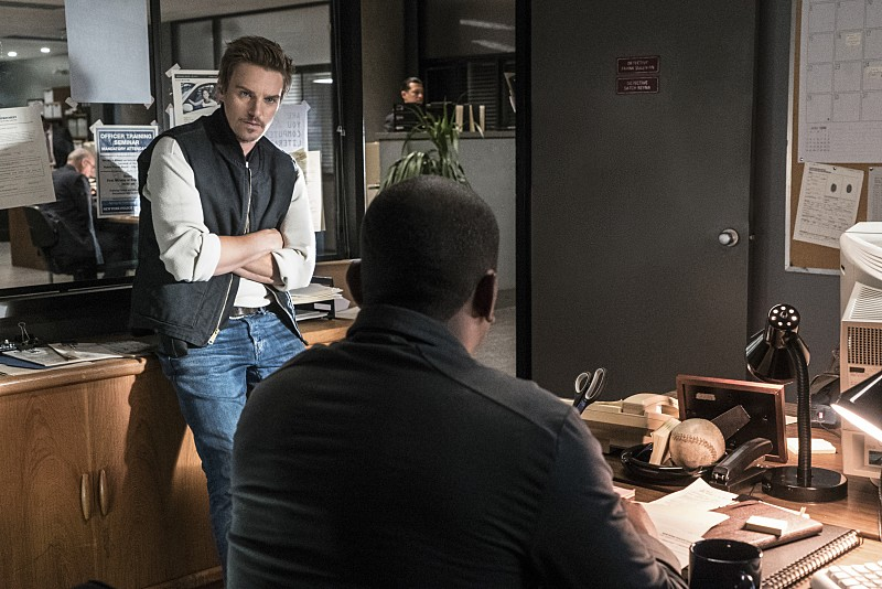 """Frequency -- """"Bleed Over"""" -- Image Number: FRG105a_0011.jpg -- Pictured (L-R): Riley Smith as Frank and Mekhi Phifer as Satch -- Photo: Liane Hentscher/The CW -- © 2016 The CW Network, LLC. All rights reserved."""